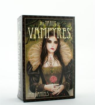 Bild på The Tarot of Vampyres [With Phantasmagoria]