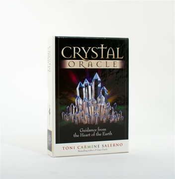 Bild på Crystal Oracle : Guidance From the Heart of the Earth Book and Oracle Card Set